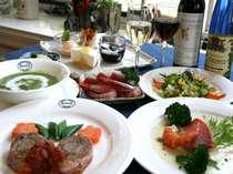 伊豆山海の幸をふんだんに使ったオーナー婦人自慢のディナー