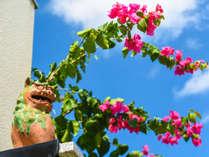 ●南ぬ島石垣空港から北へ車で10分のところにある10部屋の石垣島サン・グリーングラス リゾートホテル。
