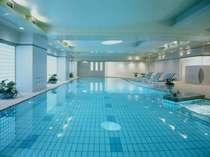 【フィットネス】「プール」 清潔感溢れるプール(20m×3コース)。エクササイズやリラクゼーションに。