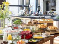 和洋どちらも楽しめる、種類も豊富な朝食ビュッフェ