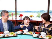 朝食付き【早いもの勝ち☆28日前予約】梅の名所・偕楽園を望む絶景ラウンジでお目覚め朝食タイム◎