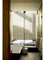 内風呂とジャグジーを完備/デラックスツインお風呂