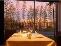 プライベートな食事を愉しむ/洋食レストラン「FOREST」個室