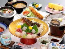 イセエビ・あわびなど贅沢な味覚がたっぷり!(料理写真はイメージです)