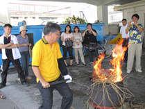鰹のたたき焼き体験★藁で炙りたての鰹の焼き切りは最高に美味いっ(^^)/♪