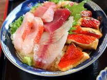 【室戸限定!ご当地丼「キンメ丼」付】新鮮な金目鯛の照り焼と、旬の地魚の刺し身を豪快にのっけました★
