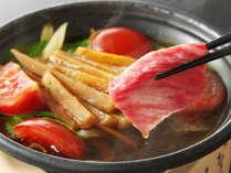【黒毛和牛ケンピすき】当館イチオシの逸品!甘~い芋ケンピとトマトすき焼きのハーモニーが絶妙♪