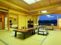 【特別室】シモンズのツインベッドを備えた和モダン寛ぎの客室。