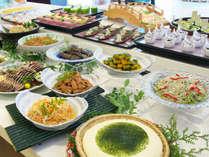 旅館の朝らしい、絶妙な味付けの和食料理をたくさんご用意しております。