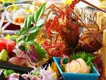 【皿鉢料理】伊勢海老姿造りや藁で炙った鰹のタタキをメインに土佐湾で獲れた新鮮なお刺身を豪快に盛り付け