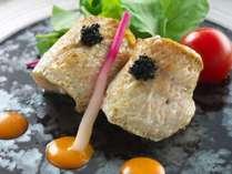 【赤ムツのオイル焼き】旬の赤ムツは脂がのって最高に美味しい♪キャビアや濃厚な雲丹創酢とともに味わう。