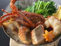 【秋の魚介スープ仕立て】地物伊勢海老に秋鮭に松茸!旨味がぎゅっと凝縮されたスープが堪らない秋の贅沢鍋