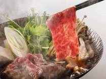 【黒毛和牛のはりはり鍋】柔らかいお肉から溶け出した甘みと旨みが堪らない!シメは柚子香るオリジナル麺で