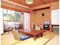 客室一例。和室にて寛ぐひと時