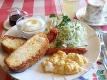 *[朝食一例]パンケーキ、フレンチトーストなど、お料理内容は日により異なります♪