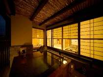露天付客室「英彦」六峰舘ではお客様のお好みに合わせてお部屋ご案内いたします。