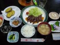 地元の素材を使ったボリューム満点の夕食