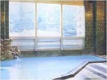 鶯宿温泉の名湯源泉かけ流し24時間ご利用いただけます。