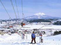 *そうまロマントピアスキー場。雄大な岩木山を眺めながらスキースノボをお楽しみ下さい!