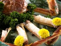 【かに刺し姿盛り】ぷりっぷりの蟹の身♪そして程よい甘さ♪福井の地酒に合わせてみてはどうでしょうか。