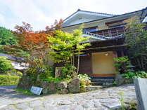 【外観】湯布院・湯平温泉の中腹・石畳沿いに位置します。