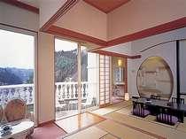 2号館最上階(7階)特別室客室。2間続きの和室。