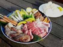 BBQ食材の一例・・・(お肉類、魚介類、お野菜などの4名様盛り)
