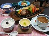 お子様料理はハンバ-グがメインの洋風料理です