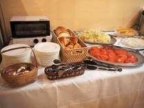 朝食【和洋バイキング一例】お好みのお料理をお好きなだけ召し上がれる、約53種類の和・洋のバイキング形式