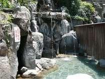 【混浴風呂】岩風呂露天・うたせ湯、洞窟風呂、蒸し風呂があります。(※19~22時は女性専用)