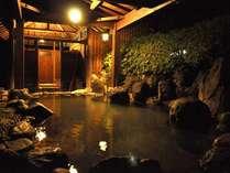 【貸切露天風呂★たまゆらの湯】最大8名様ご入浴可能なゆったりとした広さ。