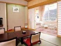 小型犬同伴OK。別館2Fの和室。12畳あるので、ゆったりした広さのお部屋です。