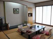 【和室一例】スタンダードで落ち着いたお部屋です。