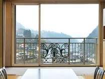 温泉街側客室からの眺望