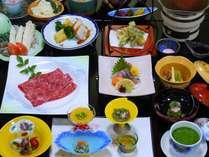 秋の味覚・松茸会席。松茸土瓶蒸し、松茸釜飯、牛すき焼き等のメニュ-です。