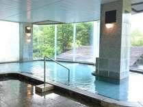 展望大浴場はph7.1の単純硫黄泉。さらっとした肌触りの温泉です。男女ともサウナ・露天風呂もございます。