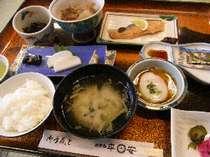 【朝食付】お味噌汁にお漬物、ほかほかご飯の田舎風和食朝ごはん&温泉24時間入浴OK