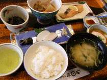 *ご朝食一例朝からたくさん食べて元気にご出発!