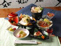 *【夕食(お食事全体)】旬の素材を贅沢に生かしたお料理の数々。