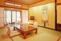 お得意様に人気の和室。本館10畳タイプ。