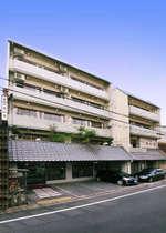 【当館外観】京都駅より徒歩10分♪閑静な街中にございます。