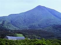 【磐梯山の麓】に位置するホテル。会津若松・磐梯高原・喜多方などの観光に最適