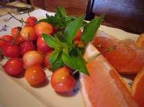 食後には季節のフルーツもご用意