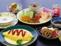 幼児(食事あり布団ありの場合)のご夕食例♪ ※幼児(食事あり)5400円は、品数・量ともに若干異なります。