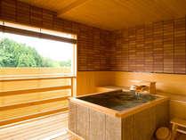 ■客室露天風呂■当館では2種類の露天風呂をご用意。