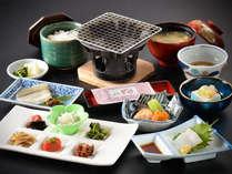 ■朝食!コンロで焼き魚&ご飯が進むおかずご用意しています。