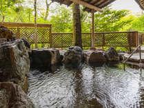 ■殿方露天風呂~大庭園からの季節の風を感じながら~