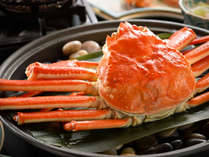 蟹の宝楽焼き!特注鍋に石を敷いてマス!しっとりホクホクな焼き上がり♪