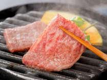 霜降りお肉をシンプルイズベストに♪口に含むと、飛騨牛の旨みと甘みが広がります!