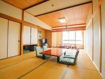 斜め横に海が見える和室(14畳)